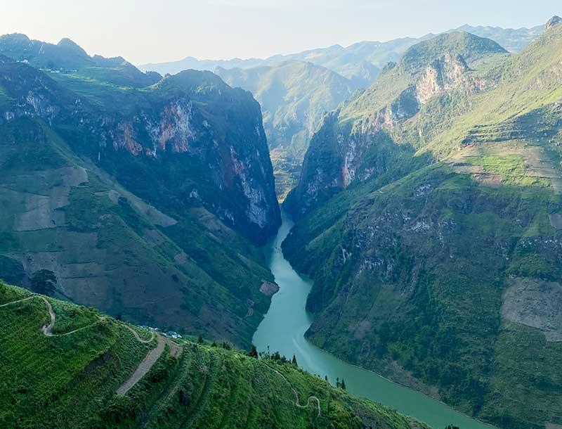 Hẻm tu sản - Sông nho quế